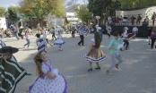 Con 119 cuecas en la plaza Eugenio Rengifo, quilpueínos celebraron un nuevo Aniversario Comunal.