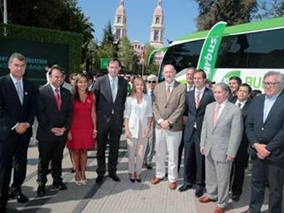Ministra de Energía viajó entre Santiago y Rancagua en el primer bus eléctrico interurbano del país.