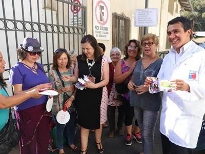 Autoridades de Salud visitan stands de salud en Festival del Huaso de Olmué 2019, para la toma de tests rápidos de VIH.