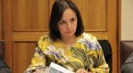 Senadora Aravena pide medidas urgentes para organizar pagos de seguros de cesantía